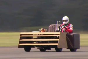 Aussies break world's fastest couch record