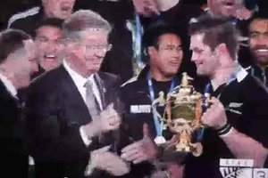 John Key handshake fail at RWC 2011 Final
