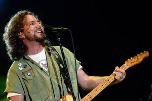 Crowe quizzes Vedder about awful gig in Pearl Jam documentary