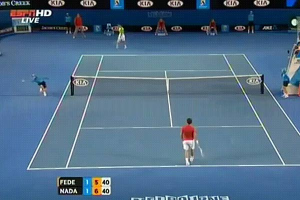 Rafael Nadal vs Roger Federer Australian Open 2012 ball catch Amazing