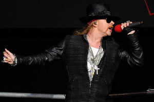 Axl Rose schedules rare TV interview