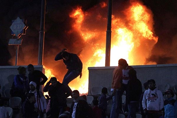 73 dead, hundreds injured in riots after football game