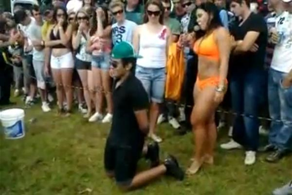 Lap dance rudely interrupted by pissed off chick