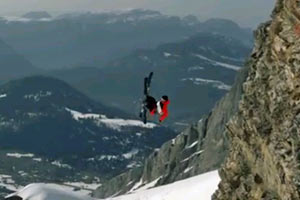 Candide Thovex shows off