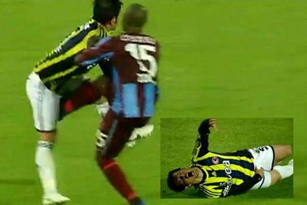 Didier Zokora's vicious kick to the nuts payback