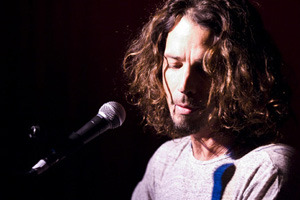 Chris Cornell chats to Tracey
