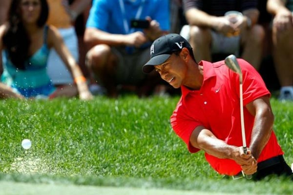An incredible chip-in from Tiger Woods