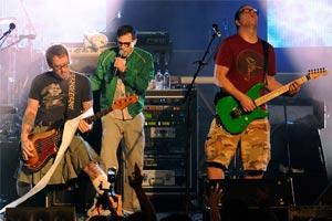 Weezer confirm long-awaited AUS/NZ dates