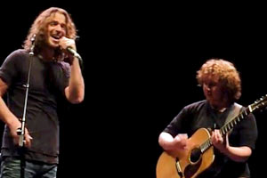 Chris Cornell performs 'Outshined' with a fan