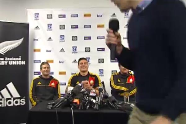 Guy Williams interrupts Sonny Bill Williams press conference