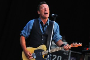 Bruce Springsteen ends European trek with record-breaking show