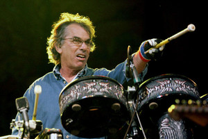 Mickey Hart accused of attacking tour bus owner