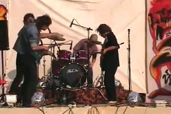 Guitarist gets slapped by band members