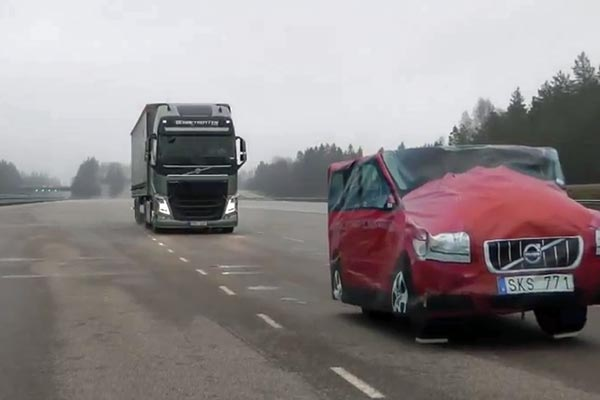 Volvo Trucks' excellent emergency braking