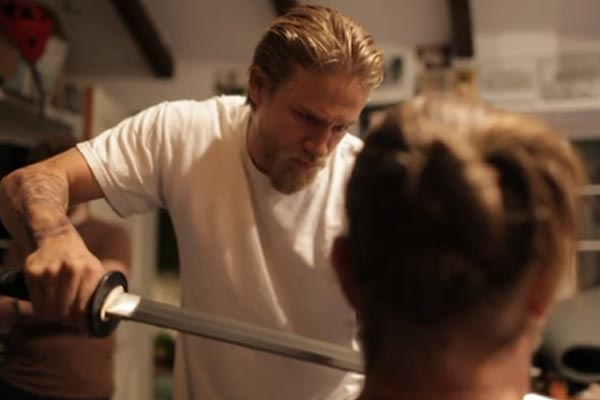 Sons of Anarchy star cuts beard off with samurai sword