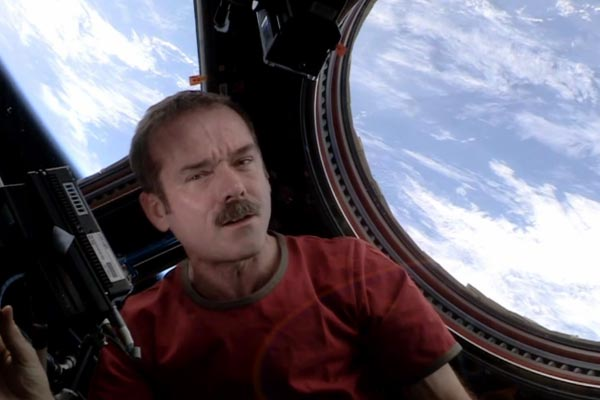 Astronaut covers David Bowie in space