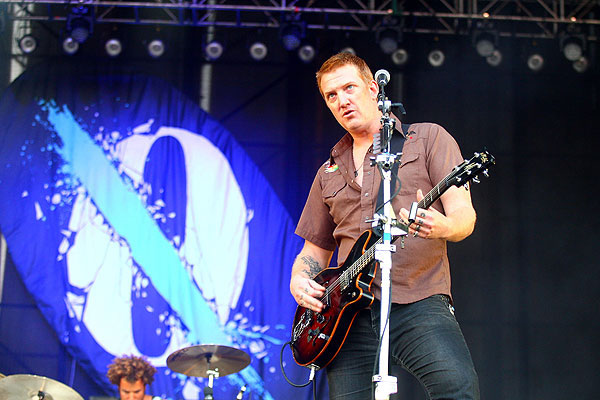 Queens Of The Stone Age 'Like Clockwork' live!