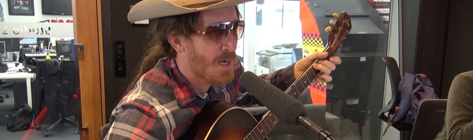 Wilson Dixon plays his new song live in studio