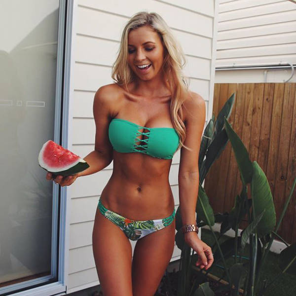 Rog's Babe of the Day - Monday 20 June - Melons are my favourite.
